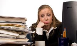 Качваме средно по 6 кг годишно от скуката на работното място