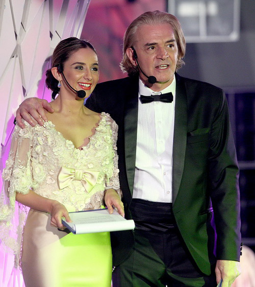 Водещите – Ники Сотиров и Елен Колева
