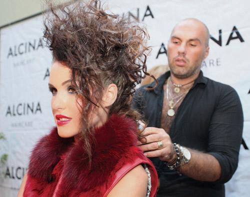 """Юри Шкарпетин и Вили Боршукова представиха тенденциите в косите от """"Алцина"""""""