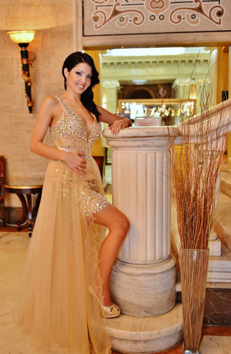 Rose Fashion представя бляскава парижка мода