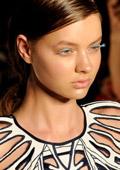 Mercedes-Benz Fashion Week, Сидни - бяло, черно и геометрични фигури за пролет-лято 2013
