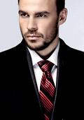 """Актьорът Ивайло Захариев от филмовия хит """"Под прикритие"""" стана рекламно лице на """"M Suit"""""""