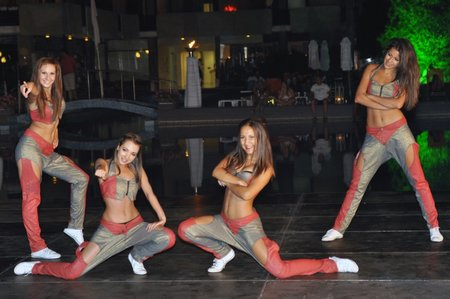Кандидатките за Мис Варна 2013 показаха своите таланти