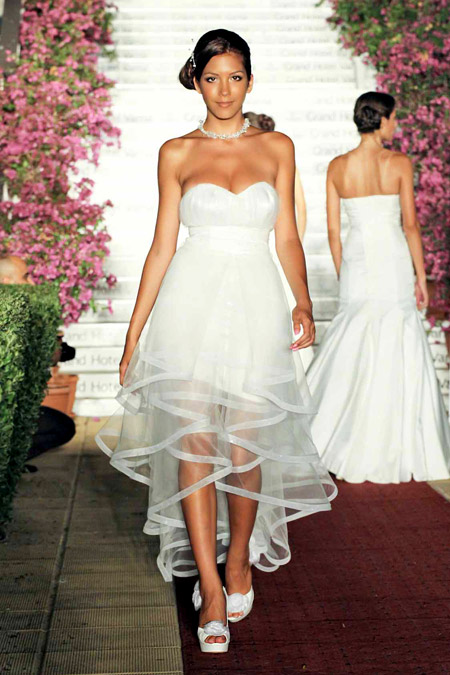 Булчински рокли от