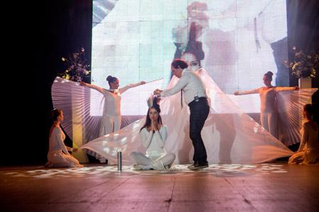 Руслан Мъйнов води италианско шоу на стилисти под Царевец