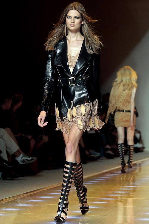 Дамска мода: Колекция пролет-лято 2013 на Versace