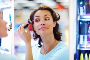 20% от жените се страхуват шефът им да ги види без грим