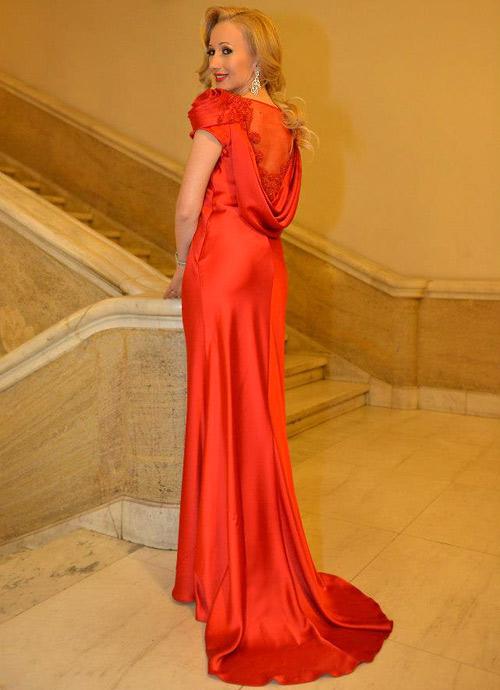 Стилът на Елена Караколева вдъхнови световни дизайнери