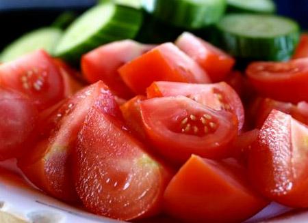 За летните жеги - храни с високо водно съдържание