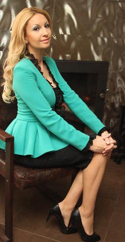Мисис България 2012 Йордана Димитрова е новото лице на Romantika Fashion