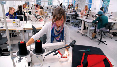 Fashion Design Education Guide helps you find fashion schools in the USA