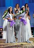 София Борисова облича кандидатките за Мис България 2013