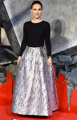 Натали Портман избра тоалет на Диор за червения килим