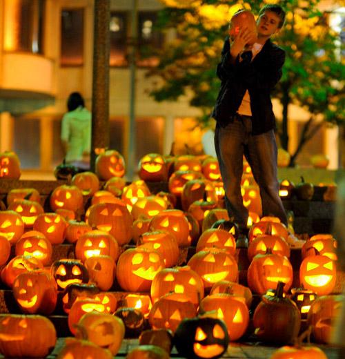 Каква е историята на тиквения фенер за Хелоуин?