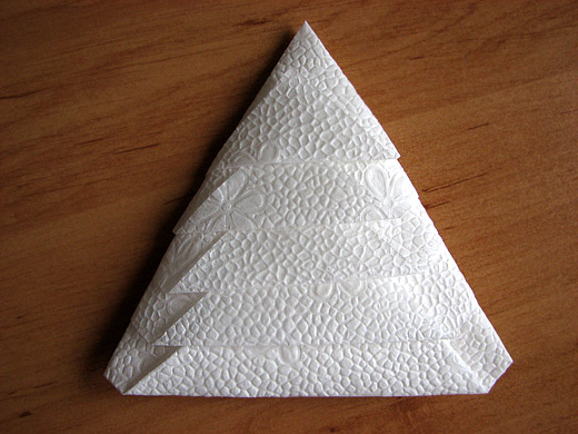 How to make a Christmas Tree by folding a napkin?