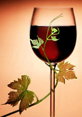 Червено вино за здрави очи и добро зрение