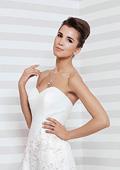 Модни тенденции за булката на лято 2014 - Стилна, секси и игрива