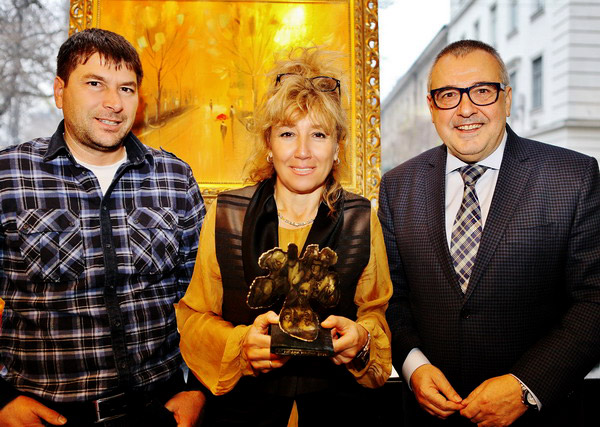 Родителите на Григор Димитров получиха приза му за Най-елегантен българин