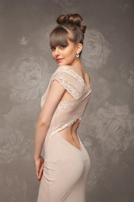 Бъди кралицата на бала с рокля от бутик