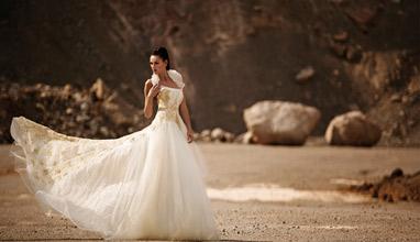 Модни тенденции за булките на есен 2014: Дантелена феерия и бохо шик