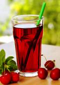 2 чаши сок от череши на ден срещу безсъние