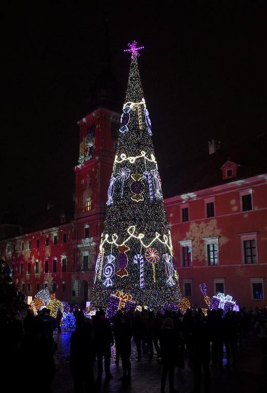 Коледа по света: Светлините на Варшава