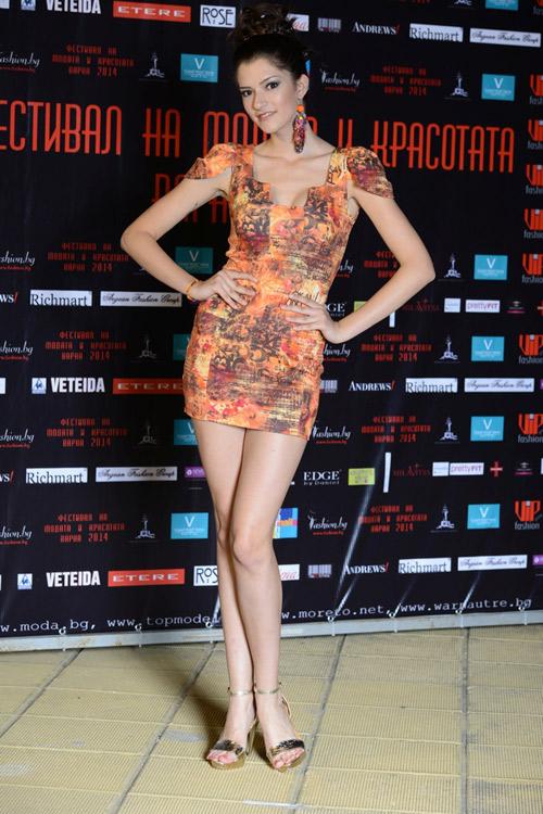 Фениче и Юлия на Фестивала за Мода и Красота