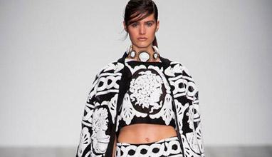 Черно-бяла мода от KTZ по време на Седмицата на модата в Лондон