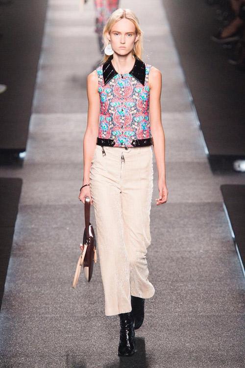 Louis Vuitton представи колекция Пролят/Лято 2015