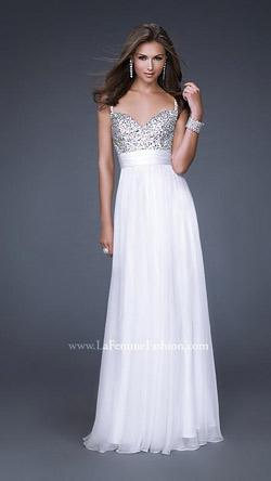 Най-популярната рокля на LA FEMME сред американските абитуриентки