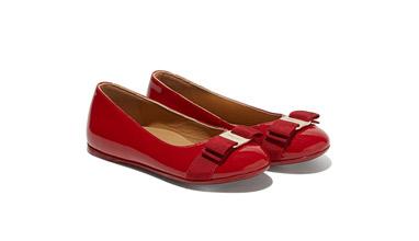 Салваторе Ферагамо пусна на пазара колекция детски обувки