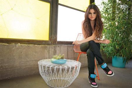 Селена Гомез представя Adidas Neo за Пролет/Лято 2014