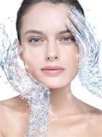 Хидратация на кожата през лятото от А до Я