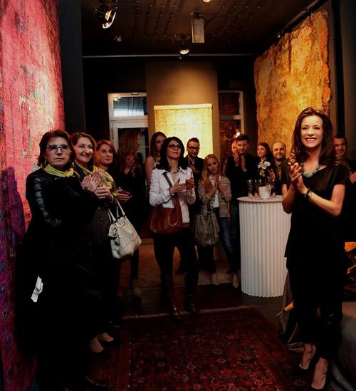 Уникална за България галерия показва приказни килими от вълна, коприна и нишки коприва