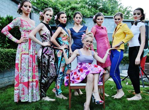 Яна Наскова посрещна лятото с градинско парти