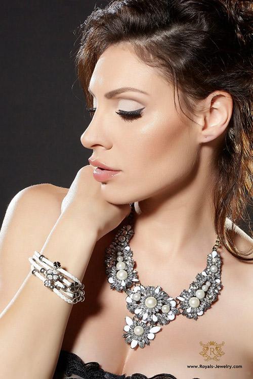 Златка Димитрова - лице на Royals Jewelry