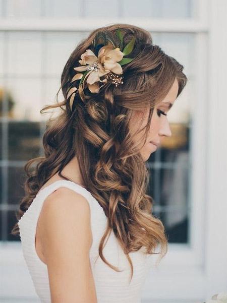 Сезонът на сватбите: Прически