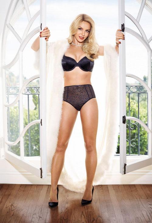 Бритни Спиърс показа колекция бельо и бански за Пролет/Лято 2015
