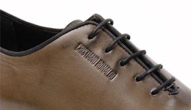 Кристиано Роналдо с колекция мъжки обувки