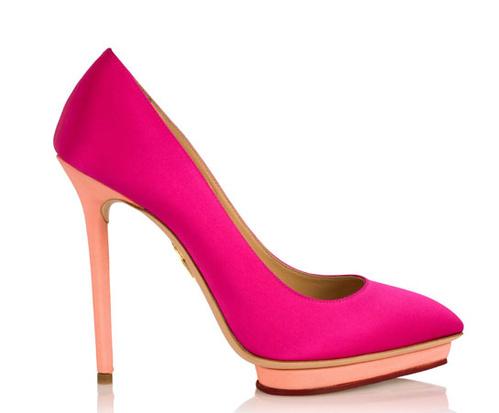 Романтична колекция обувки за Свети Валентин