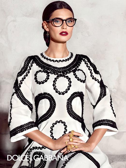 Бианка Балти е лице на пролетно-лятната колекция слънчеви очила на Долче и Габана