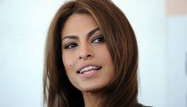 Актрисата Ева Мендес стартира своя линия козметика