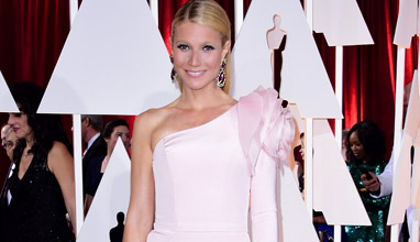 Българка в екипа на Кейти Пери, тоалетите на звездите за връчването на Оскарите и модни тенденции за Пролет 2015