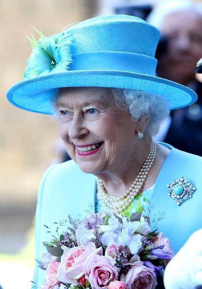Кралица Елизабет ІІ вече официално е най-дълго управлявалият монарх в историята на Великобритания