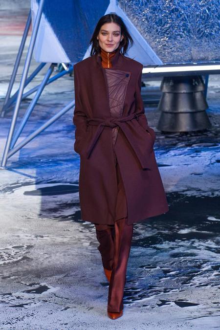 Колекция H&M Studio Есен/Зима 2015 от Парижката седмица на модата вече е в магазините