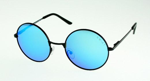 Как да съчетаем очила, грим и прическа?