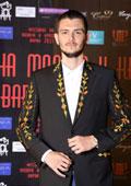 Колекции мъжки сака и дамски облекла с български шевици за Пролет-Лято 2015