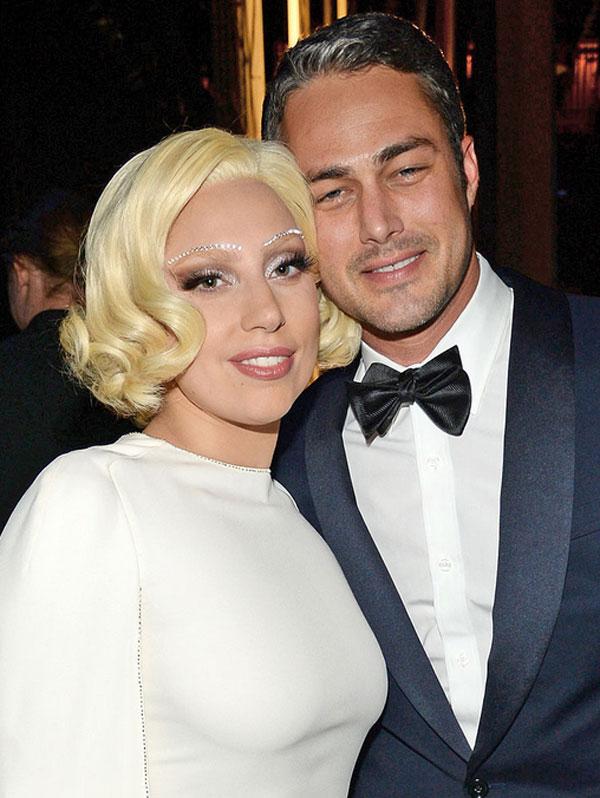 Сватбената рокля на Лейди Гага