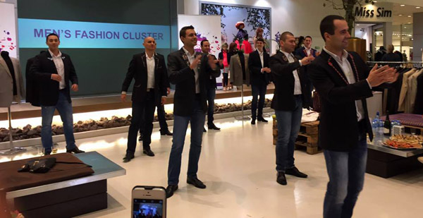 Men's Fashion Cluster откри шоурума си в Амстердам с фолклорни танци и български шевици
