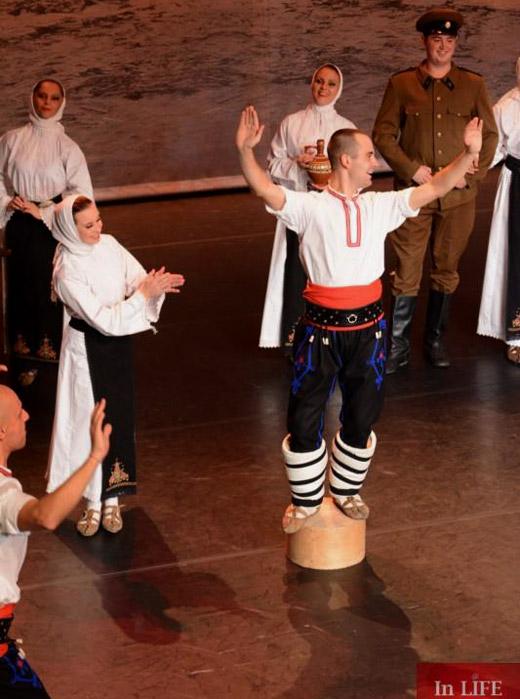 """Национален фолклорен ансамбъл """"Българе"""" с първи концерт в Холандия"""
